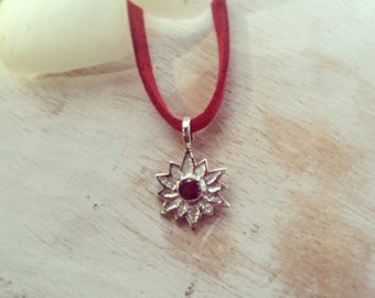 Lotus necklace, small lotus necklace, flower necklace, silver flower necklace, gifts for her, dainty necklace, choker necklace lotus pendant