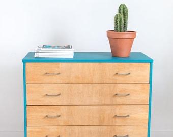Dresser vintage base zone