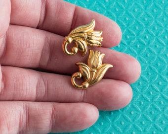 Vintage Tulip Earrings Gold Tone Pierced Post Stud 1980s Simple Modern Minimalist Jewelry