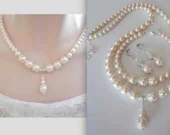 Pearl necklace with pendant - Swarovski pearls - Bridal jewelry - Brides necklace ~ Bridesmaids - Wedding jewelry -Feminine Jewelry ~ LACEY