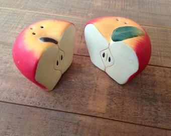 Peach Salt and Pepper Shakers, Peaches, Fruit Salt and Pepper Shakers, Collectible Fruits, Fruit Kitchen Decor