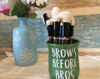 Brows Before Brows- Glitter makeup Brush Holder