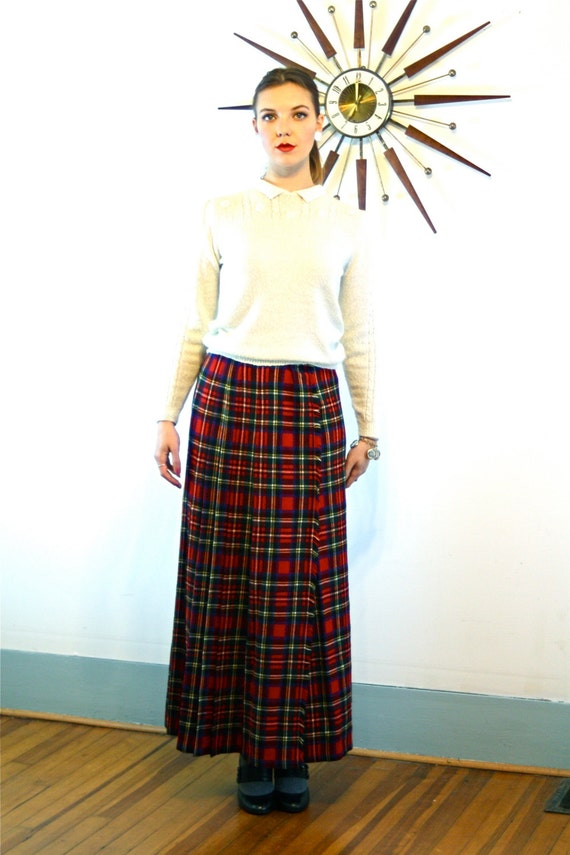 Vintage 60s St. Michael UK Plaid Wool Skirt High Waisted Wrap Red Black Green Pleated Tartan Frayed Edge Long 1960s Skirt Size L