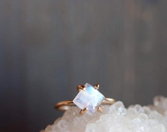 Moonstone Ring. Flashy Gemstone Cabochon Ring. Simple Stackable Gold Fill Ring. Moonstone Jewelry. Anniversary Gift. Ring for Mom.