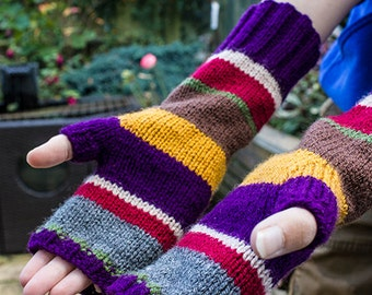 Doctor Who Fingerless Gloves, Hand Knitted, 4th Doctor, season 12