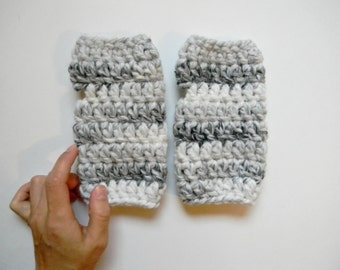 Chunky fingerless gloves | fingerless mittens | crocheted soft woolen gloves | wrist warmers | arm warmers | gifts for her | simplistic