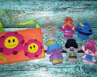 Trolls Finger Puppet Play Set With Carrying Bag