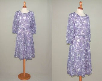 Vintage 70s floral dress / lilac purple flowers dress / long sleeves dress / sartorial romantic dress