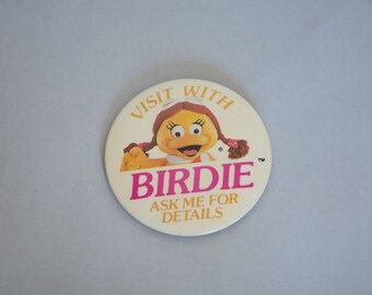 Vintage Birdie McDonald's button pin, pin badge, pin brooch button. Pinback button. Mcdonald's restaurant happy meal.