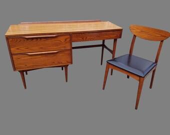 Vintage Mid-Century Heywood Wakefield Oak and Teak Desk Set