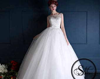 Limited Edition Design: Modern Luxurious Ball Gown Tulle Skirt Sleeveless White Ivory Pearls Embroidery Lace Up Wedding Bridal Dress Gown