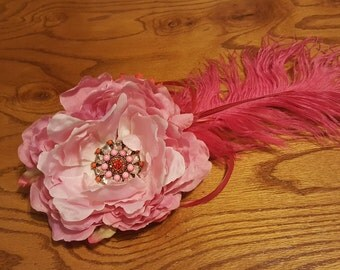 Pink feather fascinator hair clip