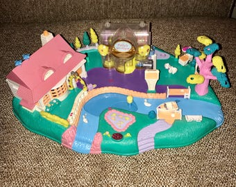 Vintage 1996 Blue Bird Polly Pocket Magical Movin Pollyville play set, house boutique park, magnetic, for thr tiny small size dolls