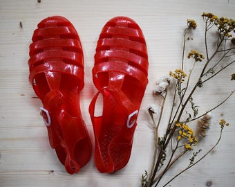 Vintage 90s Jelly Shoes Red Plastic Sandals Size 7 41 Grunge Red Boho Jelly Flats Summer Sandals Festival Fashion Fisherman Sandals