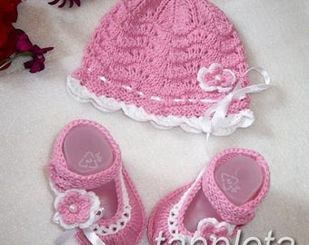 baby, Hat and booties, knitted booties, with flower, babygirl clothes, newborn pink hat flower, babyshower gift, baby pink booties, knitted