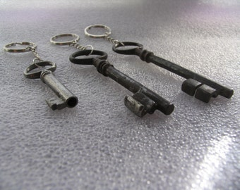 Old French Key, Key rings