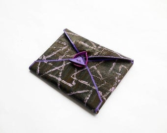 Geometric leather wallet card holder - Violet - Triangle - Minimalist - Small - Cash - Photograph - Envelope - Clutch - 3rd anniversary gift