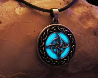 Men's Celtic Lucky Knot  silver necklace glow in the dark.