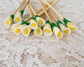 Calla Lilies Cupcake Toppers / Calla lily Bouquet picks / Calla lily Wedding Flowers / Calla lily Wedding Cake / Calla lily blossoms / Lily