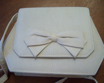 Cream color shoulder purse/Small purse with bow trim/Formal/Special occasion/Vintage Accessories