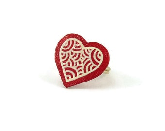 Red heart ring with white doodles, modern and romantic fancy heart ring, plastic fancy heart ring (recycled CD), Valentine's day gift idea