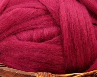 Dyed Corriedale Natural Spinning Fiber Wool Top Roving / 1oz - Elderberry