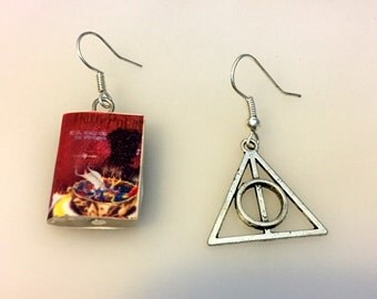 Harry Potter and the Deathly Allows earrings, handmade, hand made, Deathly Hallows, mini book, symbol, miniatures, book, hermione, ron