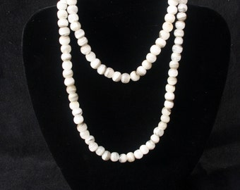 A Lovely Grey and White Agate Gemstone Necklace (Ref: 5050)