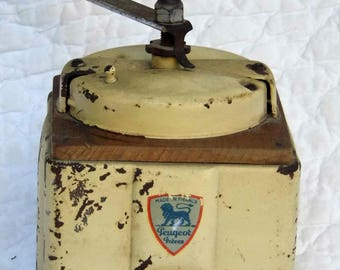 Coffee grinder Peugeot. 50's. Wood and metal.