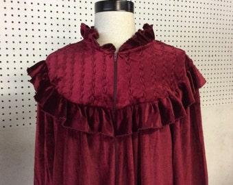 VINTAGE/ women's /deep red,burgandy/ size L / robe.