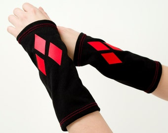 Harley Quinn arm warmers, black arm warmers, red diamond arm warmers, Black with red diamonds mittens, Quinn mittens, Suicide Squad gloves