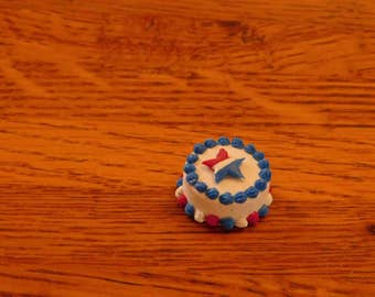 miniature cake, dollhouse cake, one inch scale dollhouse food