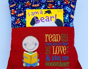 Read me story boys cushion.