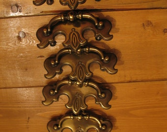 Vintage five (6) drawers french provincial style handles manufacture in canada.