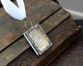 Rhinestone Cross - Altered Matchbox - Religious Gifts - Place of Worship - Place of Prayer - Church Decoration - Religious Cross - Matchbox