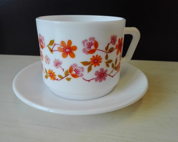 Arcopal scania, Cup and saucers, High ones
