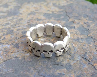 Voodoo Skull // Skulls ring - Men's and women's sizes // Silver or 9ct gold