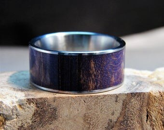 Purple Curly Maple and Titanium inlay ring, Dyed Maple ring, Wood inlay ring, Dyed and stabilized wood ring, Wedding band, Purple wood Ring