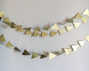 Metallic Gold Triangle Garland 7ft