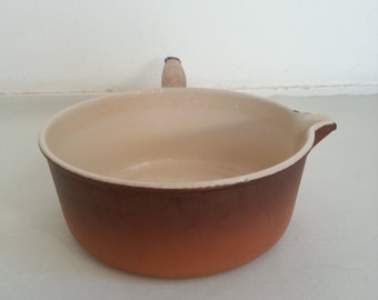 Large Le Creuset sauce pan 22,  French vintage cast iron pan, enameled sauce pan