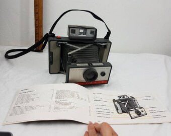 Vintage Polaroid 220 Land Camera w/strap and manual / vintage camera / instamatic /
