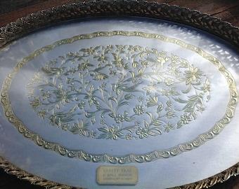 Vintage Vanity Tray-Goldtone filigree metal tray-Vintage Vanity Tray-Vintage Filigree Tray-gold Vanity Tray-Vintage Tray