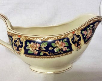 Creampetal W.H. Grindley and Co, Pottery, England, gravy or sauce boat