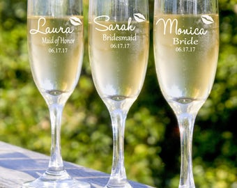 Bridesmaid Champagne Glasses, Personalized Wedding Party Gift, Set of 5 Custom Champagne Glasses, Maid of Honor Gift, Toasting Glasses