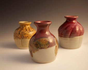 Red or Hobbit Brown Small Table Top Vases