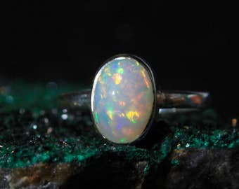 A Pretty White Honeycomb Natural Ethiopian Opal Ring set in Sterling Silver.