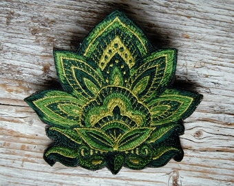 Lotus Flower Patch, Handmade Flower Embroidery, Lotus Flower Stitchery, Lotus Blume Aufnäher, HANDMADE WITH LOVE, green, yellow, brown, 12cm