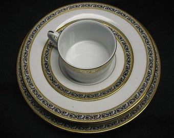 5 PC.Globus china Etienne place setting