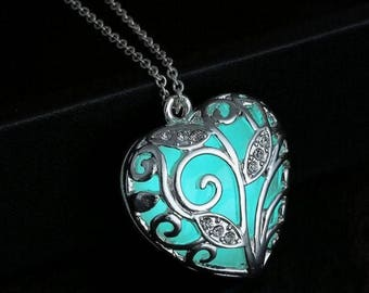 Glow in the Dark. Glowing Necklace. Glowing Jewelry. Heart Pendant.Glowing pendant.