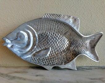 Large Vintage Metal Fish Platter, Aluminum Fish Tray Dish, Mid Century Mad Men Fish Decor, Pewter Fish Serving Centerpiece, Fishing Gift